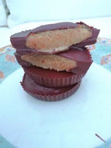 Peanut butter protein fudge stuffed chocolate cups Desserts Grainfree snack vegan